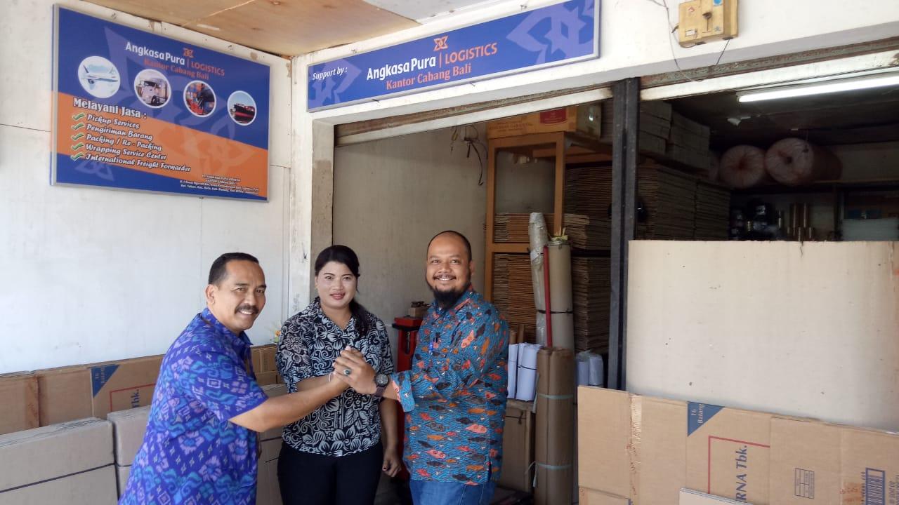 Kembangkan Bisnis APLog Buka Outlet Pengiriman Barang di Pasar Sukawati